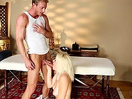 Masseur promised light-haired visitor to make her a favor in exchange for blowjob and nice sex 6