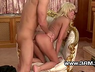 Boy and stacked gal with bright hair enjoyed royal sex in the vintage armchair 7