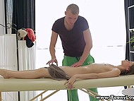 Hands are not enough to knead pussy properly, so masseur took advantage of tongue and penis 4