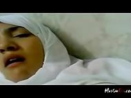 Чел с камерой имел титькастую мусульманку в белом хиджабе и пытался запечатлеть её эмоции 4