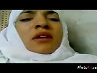 Чел с камерой имел титькастую мусульманку в белом хиджабе и пытался запечатлеть её эмоции 6