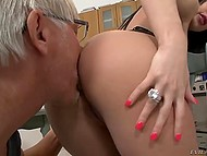 Old man couldn't be satisfied with minx's pussy only and also penetrated her asshole 5