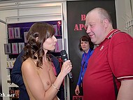 Minx Jeny Smith pretended to be a journalist and conducted a survey among the visitors of erotic fair 6