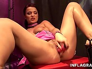 Come-hither colleen is tossing and turning in men's fantasies with her erotic striptease show 6