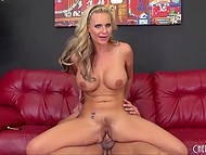Muscled Spanish dude came to busty psychotherapist but she quickly understood what he needs