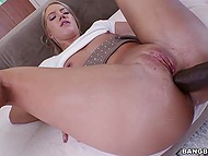 Sexy tootsie has picked up black bloke and now she's taking it out on his great dick 6