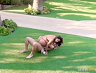 Hot sexpot just walked up to her admirer and gave herself to him right on the front lawn 7