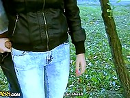 Скромная девушка повелась на уламывания русских пикаперов и прямо на улице взяла за щеку 5