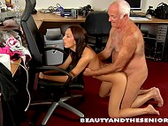 Good-looking nurse distracted from cleaning to bring old man some pleasure 9