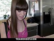 Деваха всегда мечтала попежиться на бильярдном столе и незнакомец исполнил её желание 5
