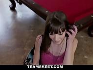 Деваха всегда мечтала попежиться на бильярдном столе и незнакомец исполнил её желание 6