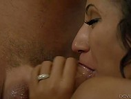 Latina Sadie Santana and man were married but it didn't prevent them from cheating on their significant others 4