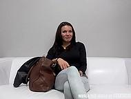 Темноволосая чешка работает в порно больше двух лет и проходит собеседование в новом агентстве 4