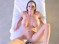 Astonishing MILF Veronica Rayne makes young masseur the happiest man in the world this day 11