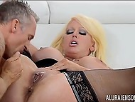 Cavalier forced big-boobied Italian Alura Jenson to squirt a few times having rough sex 5