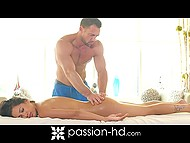 Muscled masseur's hands and penis made the session unforgettable for beauty Amia Miley 5