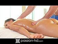 Muscled masseur's hands and penis made the session unforgettable for beauty Amia Miley 6