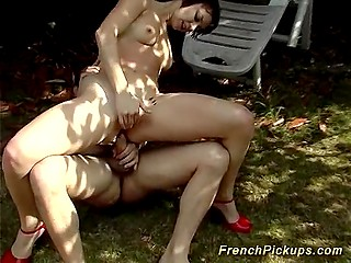 Dudes picked up French girl of easy virtue and prevailed upon her to go anal outdoors