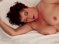 Short-haired mature has forgotten how it feels to feel heavy young phallus inside vagina 6
