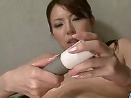 Slender minx strips down and plays with herself in front of blindfolded fellow 6