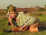 Фигуристая модель Evelyn Lory из Словении позирует в зелёном бельишке и в форме советского солдата 11