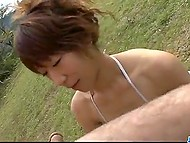 Мохнатка азиатки в бикини поддалась быстрее члена мужичка, который так и не кончил, как она не старалась 4