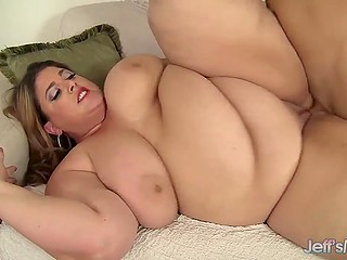 Dirty-minded BBW going to lose extra weight by having active sex with trouble-free friend