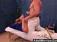 Sumptuous client couldn't resist against skilled masseur's nimble fingers and gave herself up to him 7