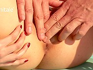 Masseur demonstrates technique that can bring any girl to unsurpassed orgasms 8
