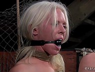 Pervert tied blonde-haired prisoner so that every her movement excited her erogenous zones 6