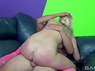 Sensitive blonde zoned out in pleasure when wimp started his groove into excited pussy 3