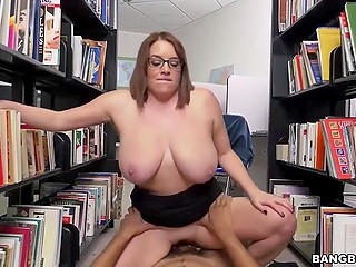 Vicious girl has a very boring job at library so boyfriend came to entertain her awhile