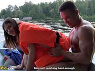 Славные парни заманили россиянку Anna Taylor на природу и оприходовали в лодке 9
