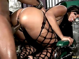 Handy lovelace took advantage of black babe in fishnet bodystocking and thrust thick dick in tight ass