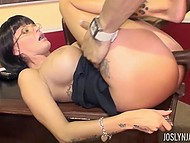 Big-tittied secretary with unmatched body knows how to lift black boss' mood 6