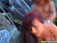 Всадник с огромной тыквой на голове пустил в расход подстриженную пиздёнку красотки в честь Хэллоуина 11