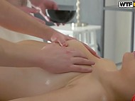 Coming to massage bimbo ran into two hot cocks that shagged her from both sides 3