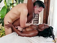 Dark-skinned masseuse oiled awesome body and approached client with steadfast schlong 11