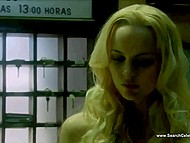 Swedish naked actress Helena Mattsson acts as seductive half-alien in 'Species' movie 6