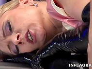 Extravagant waitress in latex seduces security guard for sex right in the empty bar 10
