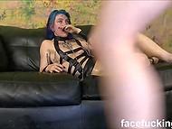 Эмо тёлку так ебут в рот, что ей даже не хватает воздуха, но она продолжает глотать хуи 8