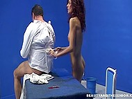 Doctor has good mood and gives herself to patient but he, in turn, uses her twat and escapes from cell 7