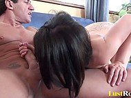 Slick-haired lad with muscled body licked pussy of sex addict MILF and penetrated well 6