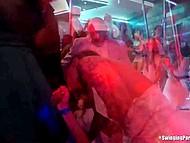 Радостная невеста и подружки завалились в клуб и отсосали у всей мужской половины 8