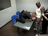Lustful policewomen made concessions to black guy in exchange for wild threesome in the interrogation room 3