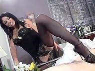 Arab lady in seductive outfit came to see her beloved in hospital and cheered him up with slim feet 3