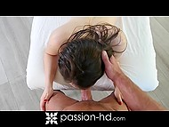 Muscular paramour rubs remarkable body of green-eyed lovely as well as fucks her vagina 9