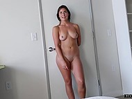 Stepsister saw fellow's robust pecker and couldn't calm down until it visited shaved vagina 5