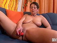 Mature female takes part in casting and her mission is to turn on men with the help of her body 6