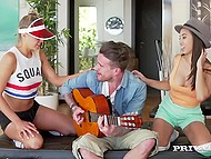 Depraved colleens on rollerblades invited wandering musician to their place for group sex 3